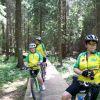 Takich pomostów w augustowskich lasach jest wiele. Świetnie jeździ się po nich rowerkiem - pod warunkiem, że nie jest mokro.
